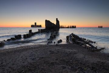Wschód słońca przy gdyńskiej torpedowni