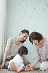 女性三世代家族の笑顔