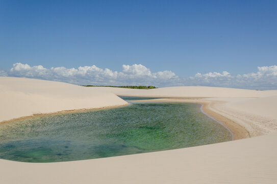 Paisagem do Parque Nacional dos Lençóis Maranhenses, Maranhão, Brasil. Junho de 2016