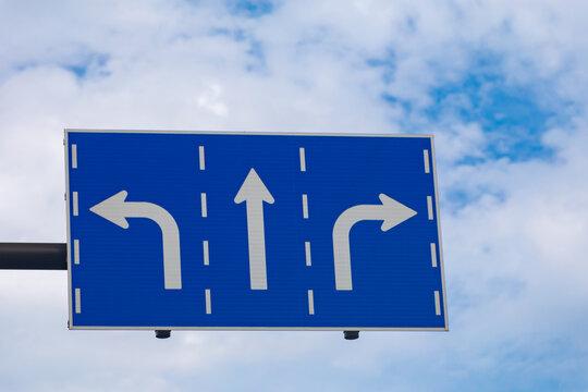 標識 右折 禁止