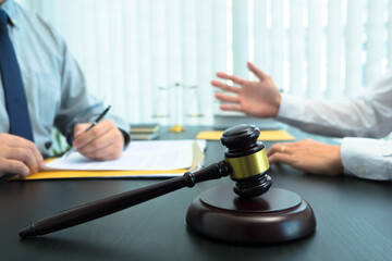 Consult with lawyers about company registration, trademark registration, criminal cases, land lawsuits, inheritance lawsuits, wills, labor