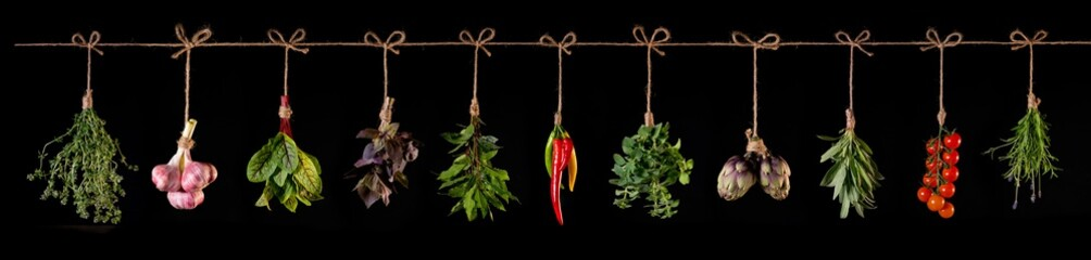 Tuinposter Hot chili peppers panorama of fresh vegetables and spices on wooden background