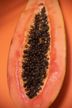 Detail of the seeds of a papaya