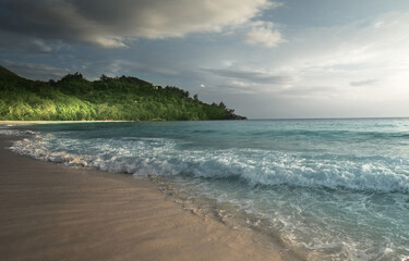 Fotomurales - perfect sunset on Seychelles beach