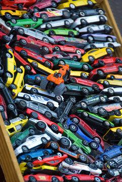 Modellautos auf dem Flohmarkt