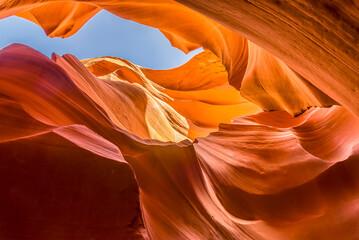 Orange hue rocks reach skyward in lower Antelope Canyon, Page, Arizona Fotobehang