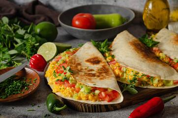 Scrambled eggs with tortillas