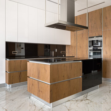 Modern and elegant kitchen