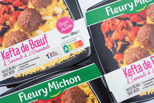 barquettes de plats cuisinés Fleury Michon en France en juin 2020