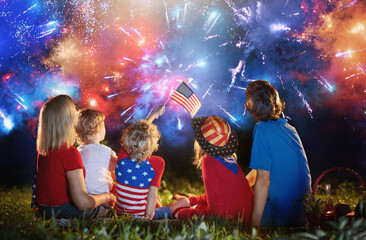 Poster Akt American family on Independence Day. 4th of July.