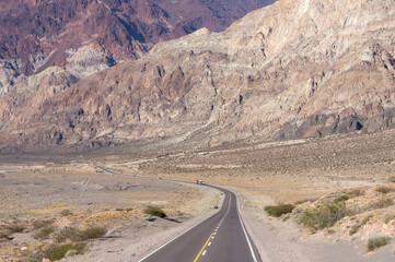 Route dans l'ouest de l'Argentine