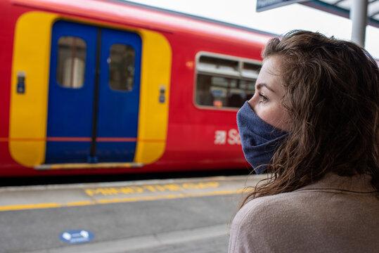Wear a mask on the train coronavirus uk travel rail railway transport public