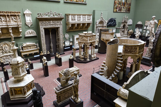 London, Kensington, Uk. September 17th 2017: Victoria and Albert museum, South Kensington. The Weston Cast Courts gallery, with famous sculptures, art collections and oil paintings. Closed, Covid-19