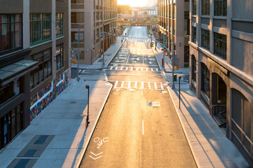 Empty streets and sidewalks of New York City with the light of sunset shining on Pearl and Prospect Streets in Brooklyn Fotomurales