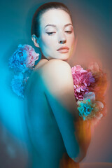 Photo sur Toile womenART Young beautiful woman with bouquet of roses. Professional art makeup.