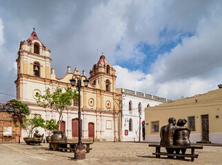Tuinposter Historisch mon. Martha Jimenez Perez Sculptures and Nuestra Senora del Carmen Church, Plaza del Carmen, Camaguey, Camaguey Province, Cuba