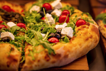Pizza - Olive - Mozarella - frisch