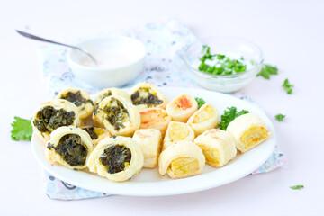 Spinat und Kartoffel- Häppchen mit Dip