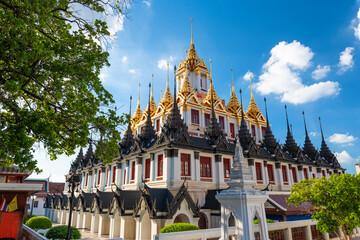 Fototapete - Wat Ratchanatdaram in Bangkok, Thailand