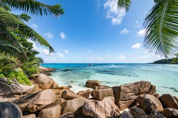 Wall Mural - Beautiful beach on the Seychelles