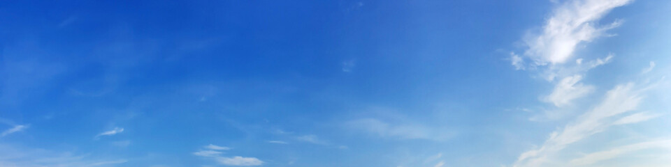 Fotorolgordijn Panoramafoto s Blue sky panorama with cloud on a sunny day. Beautiful 180 degree panoramic image.