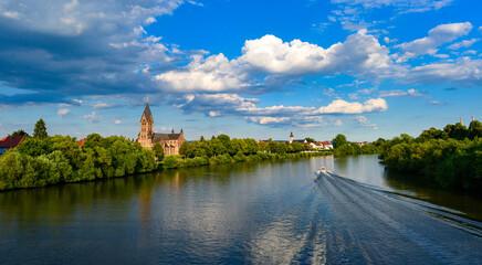 Mainufer in Hanau-Grossauheim
