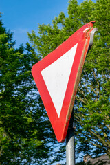 Dutch road sign priority
