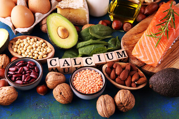 Best Calcium Rich Foods Sources. Healthy eating. Foods rich in calcium such as bean, almonds,...