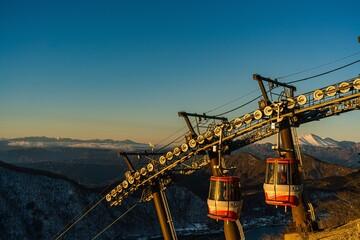 榛名山山頂からの初日の出とケーブルカー