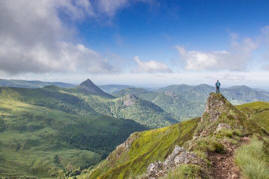 Panorama sur les monts du Cantal