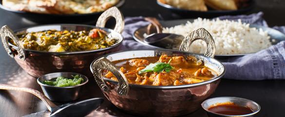 Fototapeta indian chicken tikka masala curry in balti dish obraz