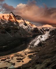 Photo sur Plexiglas Nature Grossclockner And Gletjer by Sunrise
