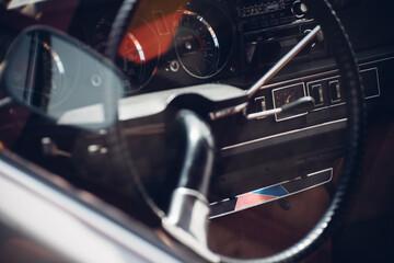 Papiers peints Vintage voitures Steering Wheel Of Vintage Car