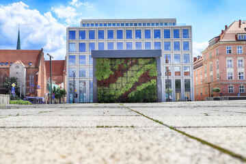 Fototapeta WROCLAW, POLAND - JUNE 23, 2020: Nowy Targ Square (New Market). One of three historical market squares of Wroclaw (after Main Market Square and Salt Market), Wroclaw old town, Poland, Europe. obraz