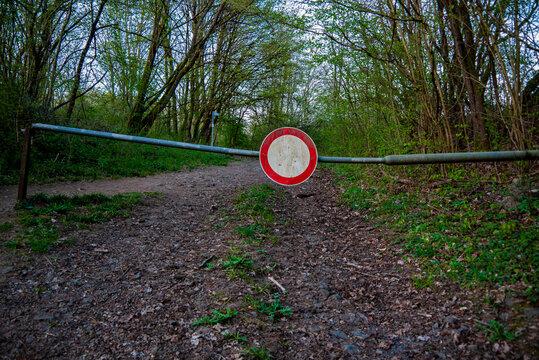 Waldweg Durchfahrtsverbot