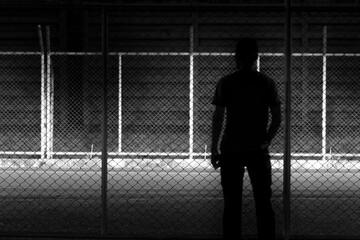 Fotomurales - Silhouette Man At Night