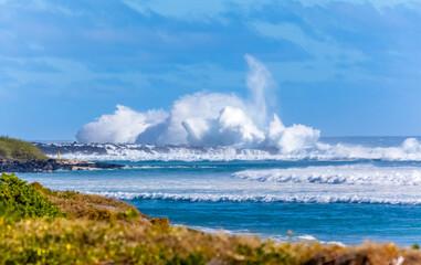 Explosion de vague à la Pointe au Sel, Saint-Leu, île de la Réunion