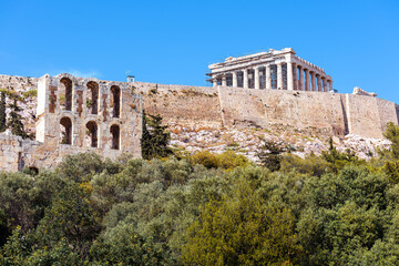 Fototapete - Acropolis hill and Parthenon temple in summer, Athens, Greece. Famous Acropolis is top landmark of Athens. Scenic view of Ancient Greek ruins