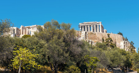 Fototapete - Acropolis with old Parthenon temple, Athens, Greece. It is top landmark of Athens. Panoramic scenic view of famous Acropolis hill