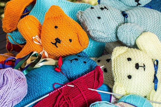 wool and knitting needles