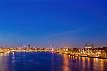 Photo sur Aluminium Rotterdam River View Skyline of Rotterdam City at Night In Holland, Netherlands