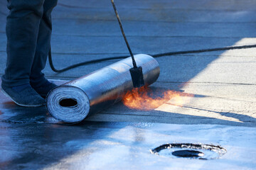Gas burner and roofing material