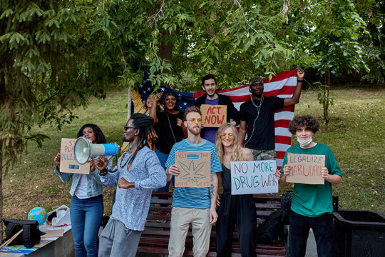 young people draw attention to the problem of marijuana protests, it is a global movement manifesto fighting for a rational approach towards hemp plant