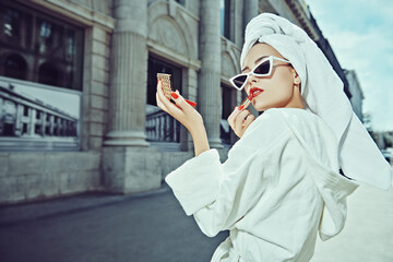 glamorous beauty makes makeup