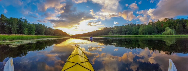 Fotobehang Lavendel Serenity - kayaking sunset panorama