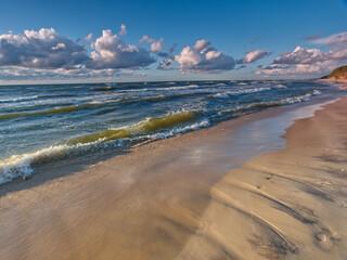 Morze Bałtyckie, Polska, Pomorze Zachodnie - fale na Bałtyku