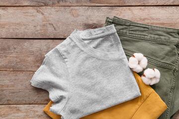 Fotorolgordijn Londen Cotton clothes on wooden background