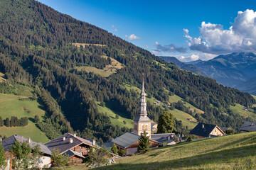 Village de Hauteluce (Beaufortain), en été  Fototapete