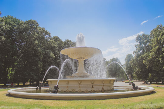 Fountain Photos Royalty Free Images Graphics Vectors Videos Adobe Stock