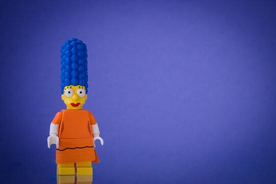 Lippstadt - Deutschland 19. Juli 2020 Lego Figur Marge Simpson